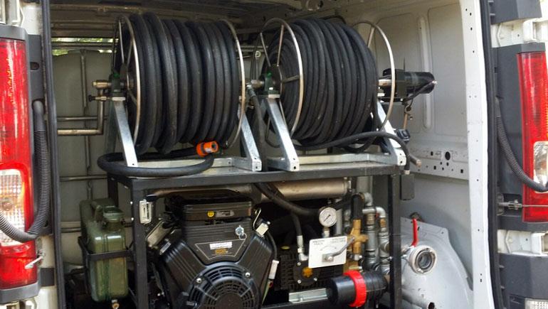 zestaw samochodowy z systemem udrażniania kanalizacji WUKO